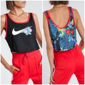 Nike Hyper Femme Tropical Printed Crop Top